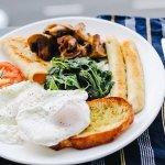 breakfast-1246686_640.jpg